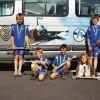 06 2006 Kleine Gruppe vor Bus